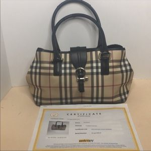 Burberry Buckle Accent Shoulder Bag ittivgro58cal